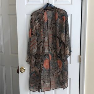 Size M/L Altar'd State sheer kimono